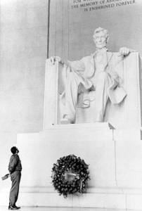 Фидель Кастро у мемориала Линкольну